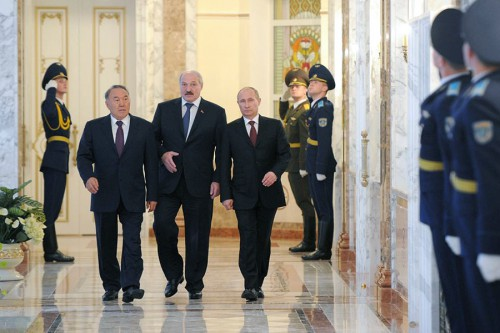 Nursultan Nazarbayev, Alexander Lukashenko and Vladimir Putin, the presidents of Kazakhstan, Belarus and Russia, meet in Minsk, October 24, 2013