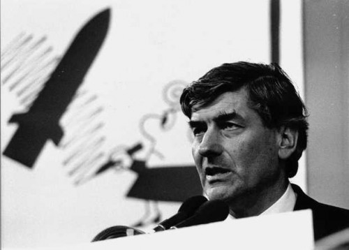 Prime Minister Ruud Lubbers of the Netherlands speaks in the Houtrusthallen in The Hague, October 27, 1985 (ANP)
